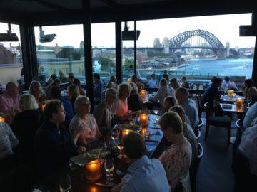Middag på fina Sydney Cafe med utsikt mot Harbour Bridge