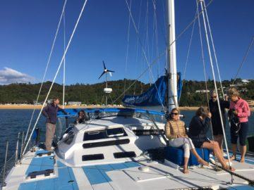 En kryssning i Kaiteriteri väster om Nelson på sydöns nordspets i Nya Zeeland