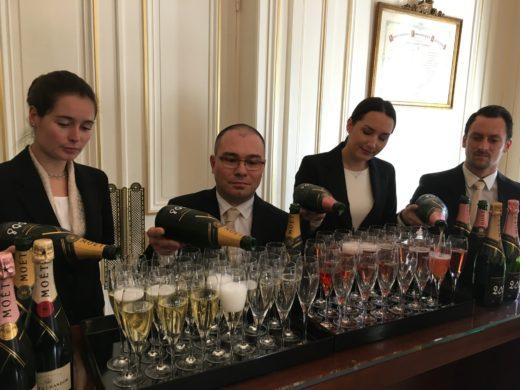 Trevligt provning på Moët & Chandon av deras båda Vintage Champagne av årgång 2008