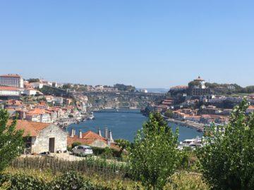 Vacker utsikt från Graham´s lodge där man har Porto på den vänstra stranden och Vilanova de Gaia på den högra