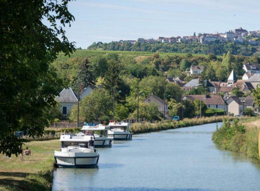Bourgogne-Canal-du-Nivernais-1