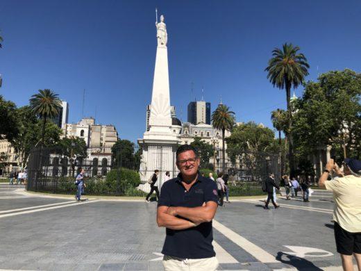Sightseeing i Buenos Aires med ett stopp vid Plaza de Mayo
