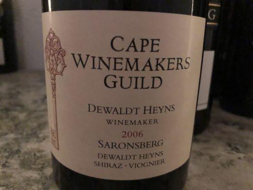 I veckan gästades jag och Gastro av utmärkta vinmakaren Dewaldt Heyns från Saronsberg i Tulbagh. Importören Björn Persson bjöd på detta vin som är första årgången som Dewaldt producerade ett vin för Cape Winemakers Guild. Väldigt gott!